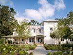 Белый фасад дома – Фасад частного дома белого цвета: 100 фото красивых домов