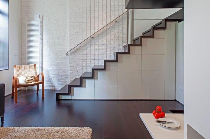 Подлестничное пространство в частном доме фото – лучшие идеи, 95 фото в интерьере